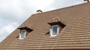 zingurie et couverture lucarne de toit (avant)